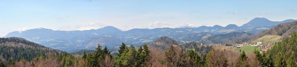 Panorama_plesivec